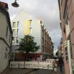 Die neue Fassade fügt sich in die Stadtarchitektur ein.