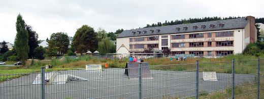 Noch wirkt alles ruhig und verlassen. In zwei Jahren soll hier das neue Schulzentrum entstehen.