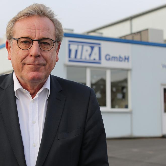 Josef Weber ist Geschäftsführer der TIRA GmbH, einem Unternehmen der Prüf- und Messtechnik mit hohem Innovationspotential für sehr komplexe spezifische Aufgaben.