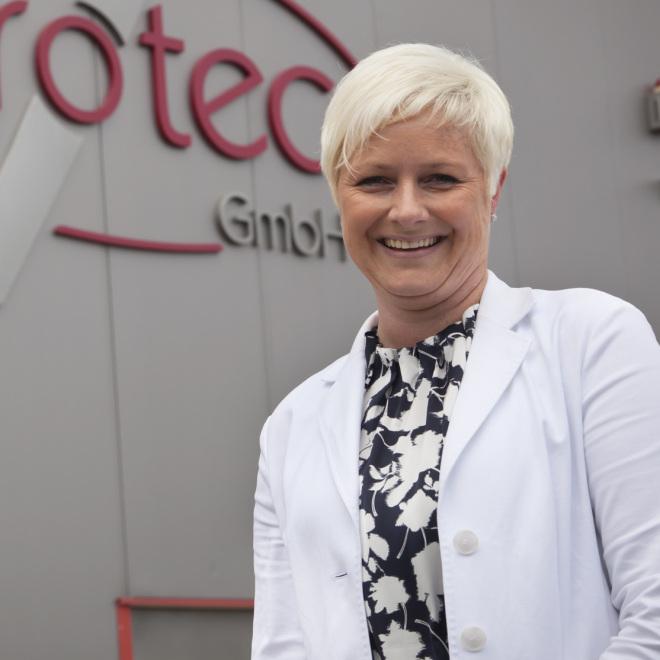 Anja Ernst ist leidenschaftliche Fliegerin und hat aus ihrer Leidenschaft ein erfolgreiches Geschäftsmodell gemacht.