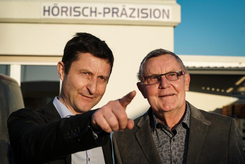Unternehmensnachfolge - Hörisch Präzision (im Bild: Vater und Sohn Hörisch)