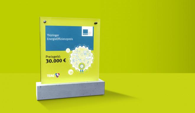 Thüringer Energieeffizienzpreis (im Bild: Award für grünem Hintergrund)
