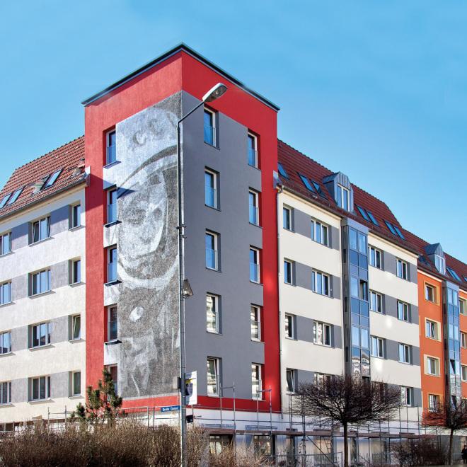 Förderung der Modernisierung und Instandsetzung von Mietwohnungen (im Bild: ein frisch saniertes Haus am Juri-Gagarin-Ring in Erfurt)