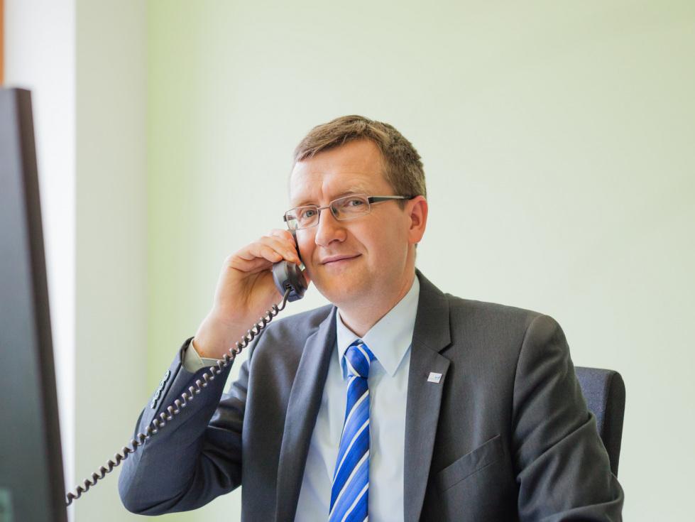 Thüringer Aufbaubank erhöht Kapazitäten und Sprechzeiten für Corona-Hotline
