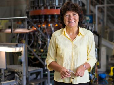 Dr. Helga Zimmermann ist Geschäftsführerin der Thüringer Pharmaglas in Neuhaus. (im Bild: Dr. Helga Zimmermann)